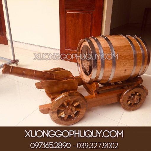 Thùng gỗ sồi ủ rượu