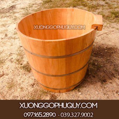 Bồn tắm tròn gỗ thông
