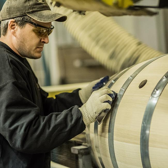 Hoàn thiện thùng rượu gỗ sồi