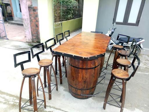 bàn ghế trang trí từ thùng rượu gỗ sồi
